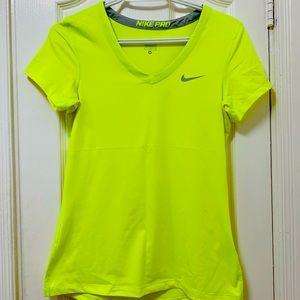 Nike neon t-shirt 🟢 size M